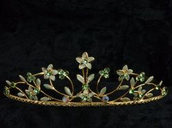 Flower Tiara in Pale Green